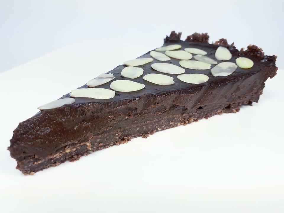 ciasto czekoladowe z kremem z awokado