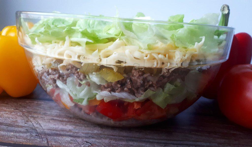sałatka cheesburgerowa